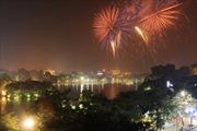 Pháo hoa rực trời Hà Nội mừng 60 năm giải phóng