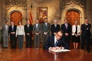 Catalonia hủy trưng cầu dân ý về độc lập trong tháng tới