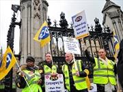 Đình công phản đối cắt giảm lương ở Anh
