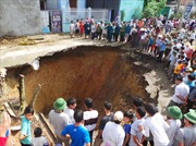 'Hố tử thần' sụt rộng hơn 30m tại Thanh Hóa