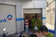 Trộm đột nhập chi nhánh Vietinbank lấy két sắt và 3 xe máy