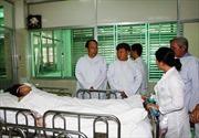 Ủy ban ATGT Quốc gia thăm và tặng quà các nạn nhân