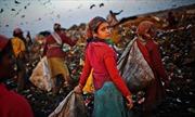 Nỗi buồn man mác trên các bãi rác Ấn Độ