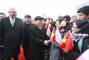 Tổng Bí thư gặp mặt thân mật cộng đồng người Việt Nam tại Belarus