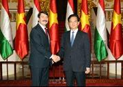 Thủ tướng Nguyễn Tấn Dũng hội kiến Tổng thống Hungary
