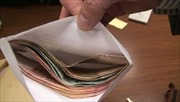 Bắt quả tang cán bộ thuế nhận hối lộ