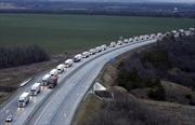 Nga gửi đoàn xe cứu trợ nhân đạo thứ 8 tới Ukraine