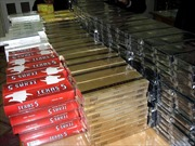 Bắt đối tượng buôn bán gần 3.000 bao thuốc lá ngoại