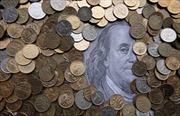 Đồng ruble Nga giảm gần 10% chỉ trong một buổi chiều