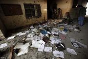 Cảnh tượng kinh hoàng bên trong ngôi trường bị Taliban thảm sát