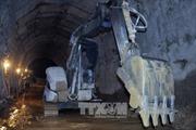 Mũi khoan từ phía sau hầm thủy điện bị sập đã thành công