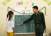 Lớp học xóa mù của những thầy giáo bộ đội
