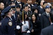 Thị trưởng New York kêu gọi cảnh sát và người dân hòa giải