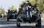 Phe ly khai Ukraine pháo kích tiền đồn của chính phủ