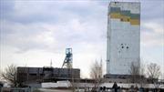 496 thợ mỏ Ukraine mắc kẹt do pháo kích