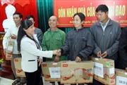 Lãnh đạo Đảng, Nhà nước tặng quà Tết các hộ nghèo, gia đình chính sách