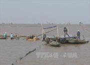 Tìm thấy thi thể nạn nhân thứ hai vụ lật thuyền chở ngao
