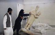 Phẫn nộ phiến quân IS phá tượng cổ Iraq