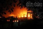 Trắng đêm dập lửa tại Công ty Giày Samho