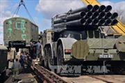 Phe ly khai Ukraine hoàn tất rút vũ khí khỏi giới tuyến
