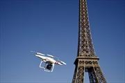 Máy bay do thám lạ bay gần sứ quán Mỹ ở Paris