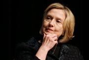Ba yếu tố để bà Hillary Clinton vượt qua bê bối mới