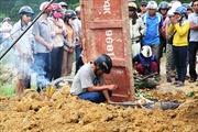 Xe ben chở đất gây tai nạn chết người, đất vùi lấp nạn nhân