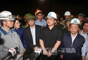 Phó Thủ tướng Hoàng Trung Hải tới hiện trường sập giàn giáo