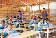 Trường tạm ở bản tái định cư