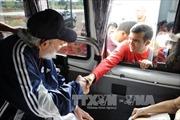 Lãnh tụ Fidel Castro trò chuyện với sinh viên qua điện thoại