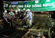 Hợp long cầu Sông Nhuệ thuộc dự án đường sắt Cát Linh – Hà Đông