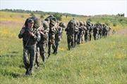 Ukraine: Lính dù ngừng bao vây căn cứ Pravyi Sector