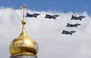 140 máy bay Nga tập duyệt  trên bầu trời Quảng trường Đỏ