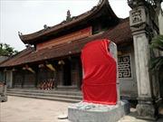 """Tùy tiện đặt tên các vị vua trên bia mộ """"dựng chui"""" ở đền Trần - Thái Bình"""