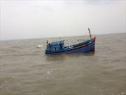 Cứu nạn ngư dân bị tai biến trên biển Trường Sa