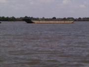 Sà lan va chạm tàu gỗ, một người mất tích