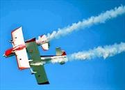 Máy bay trình diễn đâm nhau, phi công thiệt mạng