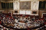 Pháp thông qua dự luật do thám gây tranh cãi