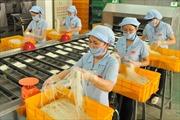 Công nhân đề nghị kiểm soát giá khi tăng lương