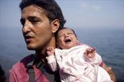 Đau xót hình ảnh trẻ thơ trong hành trình di cư khốn khổ