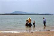 Bãi tắm nước ngọt trong hồ Dầu Tiếng thành điểm du lịch