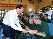 Chủ tịch nước tặng quà thương bệnh binh tại Hà Nam