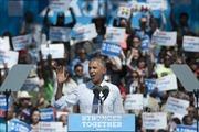 Tổng thống Obama phản bác chỉ trích bất công nhằm vào bà Clinton