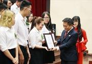 UEF trao học bổng cho hơn 1000 tân sinh viên