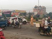 Tàu hỏa đâm ô tô tại Hà Nội, 4 người chết tại chỗ