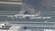 Máy bay Mỹ chở 170 người cháy ngùn ngụt trên sân bay Chicago