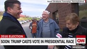 """Đôi vợ chồng già bỏ phiếu """"mỗi người một nẻo"""" gây sốt mạng xã hội"""