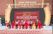 Khai mạc triển lãm ảnh về Làng Văn hóa - Du lịch các dân tộc Việt Nam