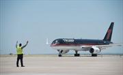 """Chuyên cơ của ông Trump đe """"hất cẳng"""" Không lực Một"""