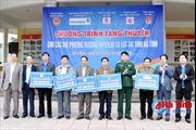 Tặng xuồng composite cho các đội xung kích ứng cứu lũ lụt ở Hà Tĩnh